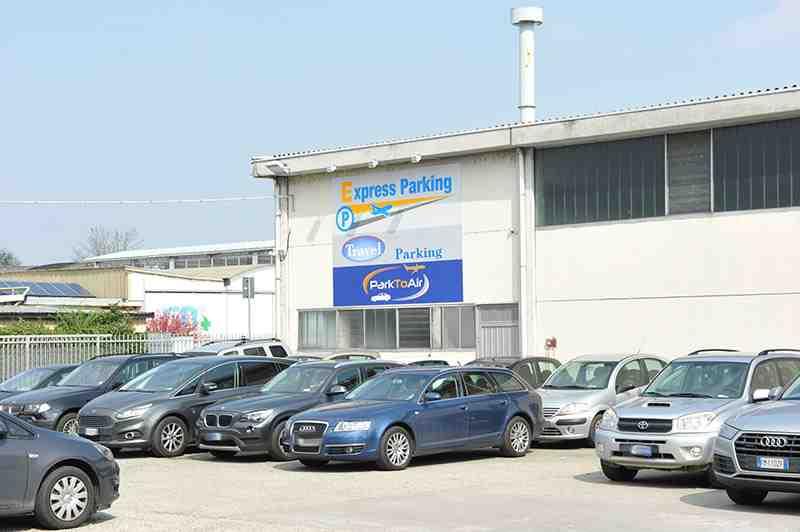 Express Parking parcheggio esterno Linate
